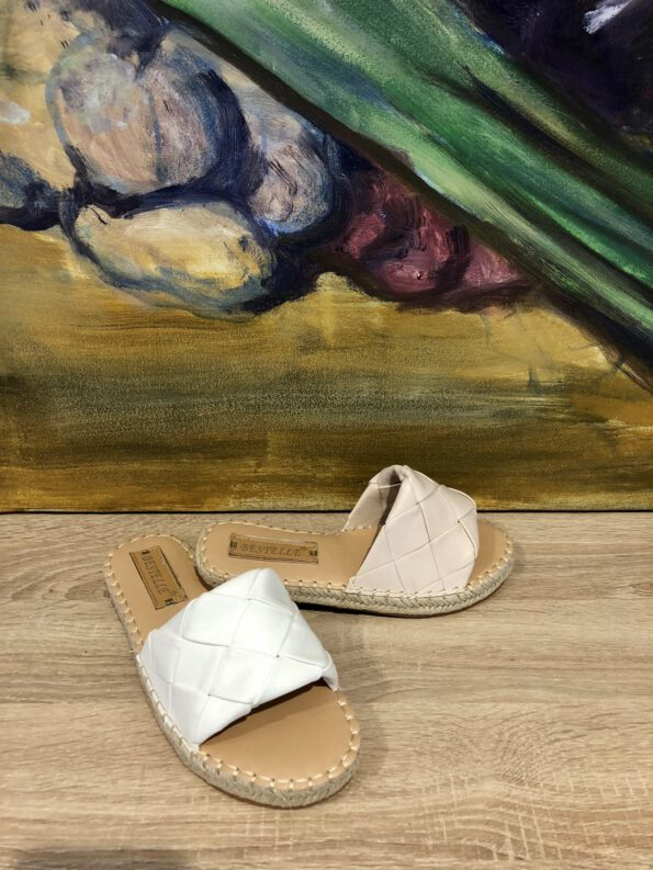 Sandale Flechtoptik